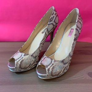 Guess Honorable heels